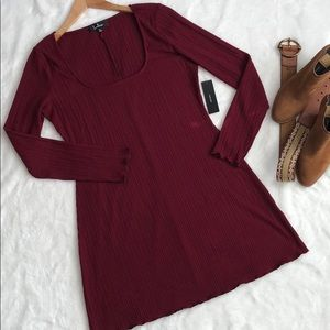NWT LULUS Burgundy long sleeve casual dress❤️